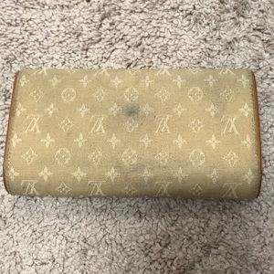 Louis Vuitton Bags - Louis Vuitton full size wallet.